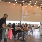Los salones de fiestas podrán realizar eventos, pero sin baile y con protocolo